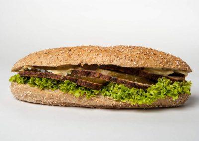 14. Mięso mielone pieczone, sos hamburgerowy, ogórek kiszony